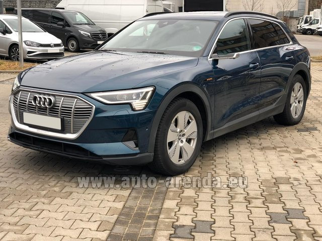Rental Audi e-tron 55 quattro (electric car) in Great Britain