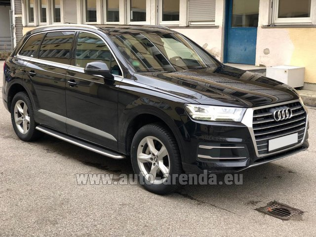 Hire and delivery to London Heathrow Airport the car Audi Q7 50 TDI Quattro 5-7 seats