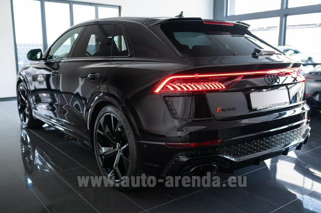 Rental Audi RS Q8 in Great Britain