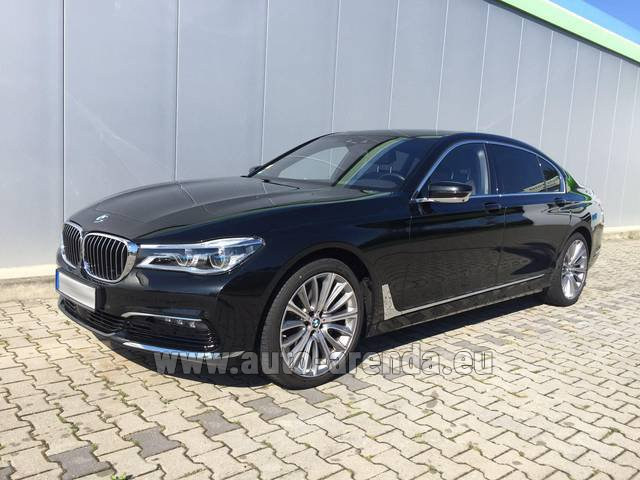 Rental BMW 740 Lang xDrive M Sportpaket Executive Lounge in Glasgow