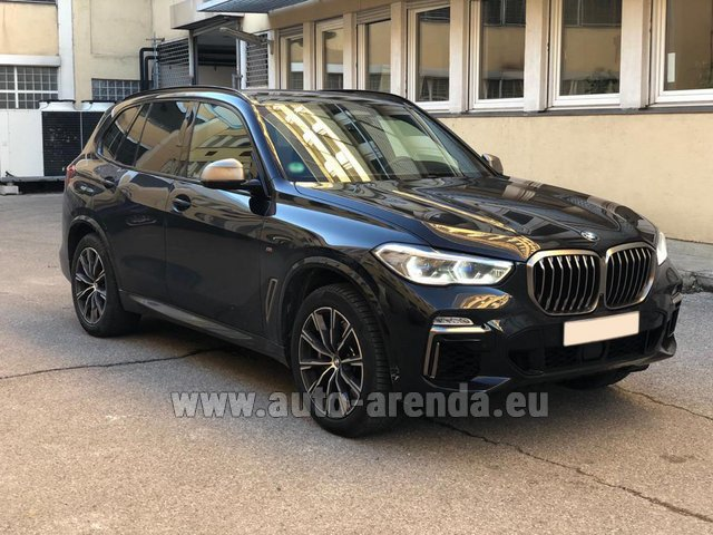 Hire and delivery to London Heathrow Airport the car BMW X5 M50d XDRIVE