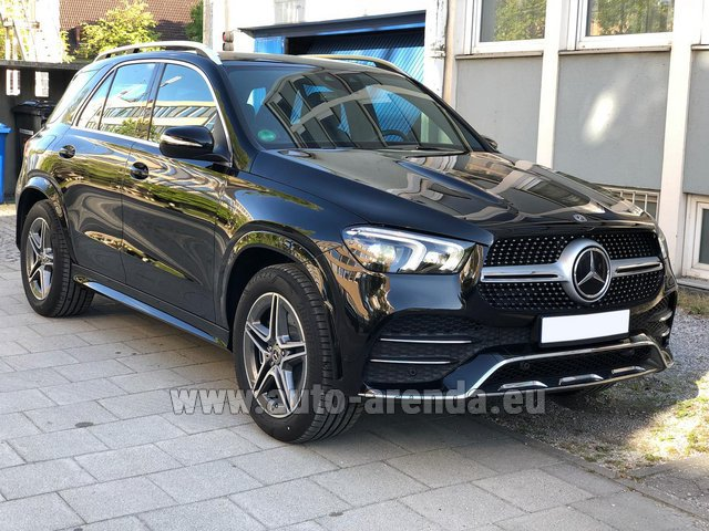 Rental Mercedes-Benz GLE 400 4Matic AMG equipment in Gatwick