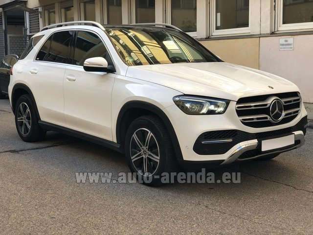Rental Mercedes-Benz GLE 350 4Matic AMG equipment in Luton