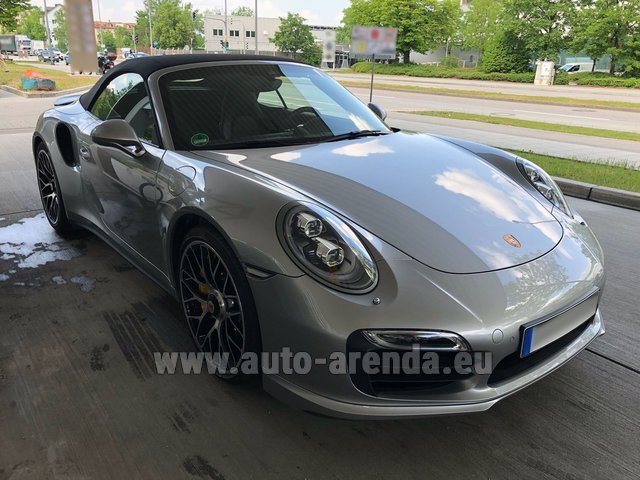 Rental Porsche 911 991 Turbo S in Glasgow