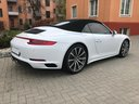 Rent-a-car Porsche 911 Carrera 4S Cabrio in Gatwick, photo 4