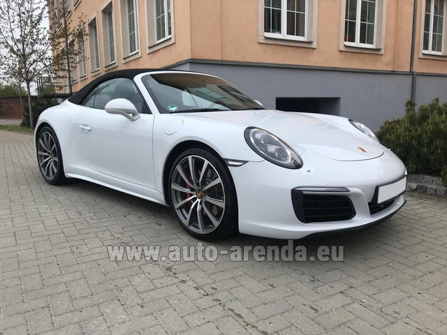 Rental Porsche 911 Carrera 4S Cabrio in Great Britain