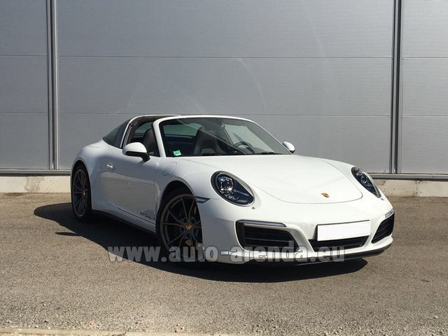 Rental Porsche 911 Targa 4S White in Glasgow