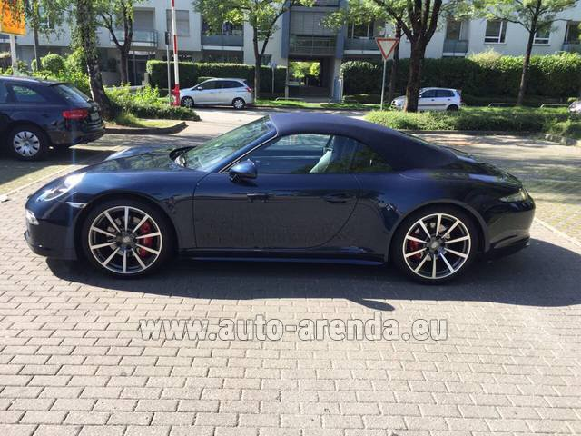 Rental Porsche 911 Carrera 4S Cabriolet in Heathrow