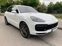 Rent-a-car Porsche Cayenne Turbo V8 550 hp in London, photo 2