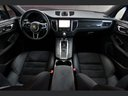 Rent-a-car Porsche Macan Turbo Performance Package LED Sportabgas in Great Britain, photo 2