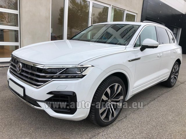 Hire and delivery to London Heathrow Airport the car Volkswagen Touareg 3.0 TDI R-Line
